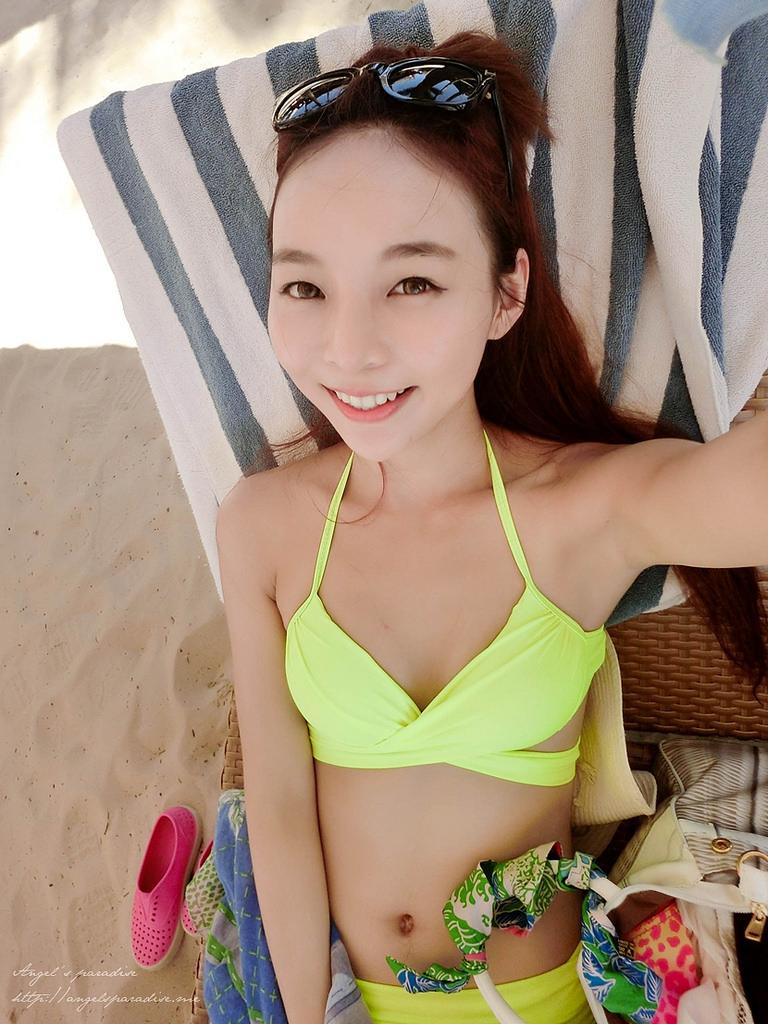 bikinisCIMG0842-002